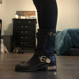 Vince Camuto Moro Boots (Size 9)